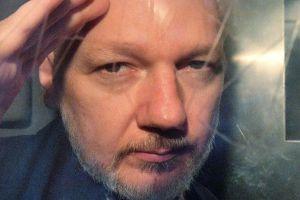 La fiscalía sueca archiva los cargos por violación en contra de Julian Assange