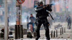 """Protestas en Colombia: Duque saca el ejército a la calle y llama a una """"conversación nacional"""""""