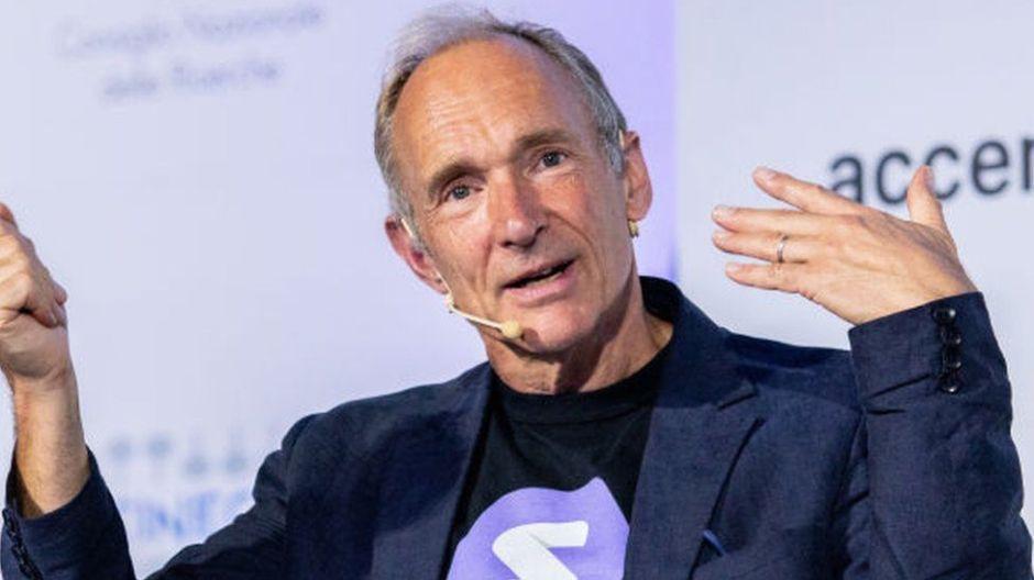 """Qué es el Contrato para la Web, los 9 principios de Tim Berners-Lee, el padre de la web, para """"salvarla"""" y evitar una """"distopía digital"""