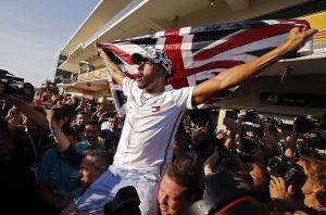 Lewis Hamilton es campeón de la F1 y amenaza récord de Schumacher