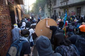 Acuerdan histórico plebiscito en Chile para decidir si sustituyen la Constitución heredada de la dictadura de Augusto Pinochet