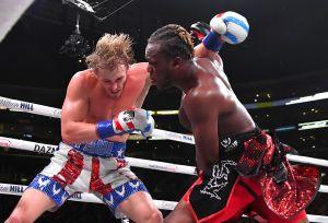 """La pelea más esperada terminó en polémica: KSI venció a Logan Paul en """"la revancha de los youtubers"""""""