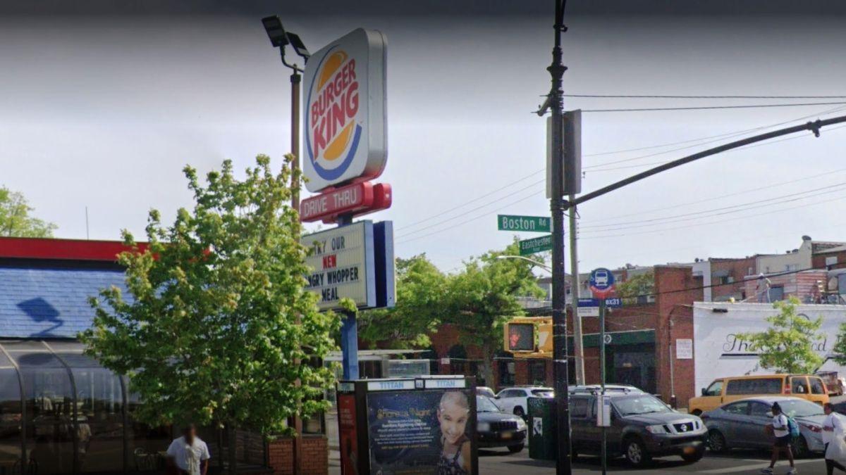 """Acusan de """"brujería"""" a empleada de Burger King en El Bronx"""
