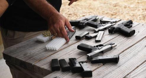 """Varios condados de Texas aprueban """"santuarios de pistolas"""""""