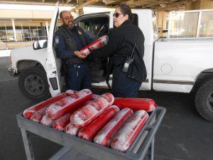 Patrulla Fronteriza confisca un cargamento de 154 libras de salchichón prohibido