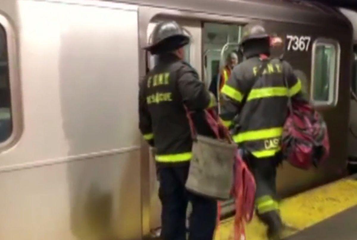 Surfista del Subway muere al caer de tren de la Línea 7 en Queens