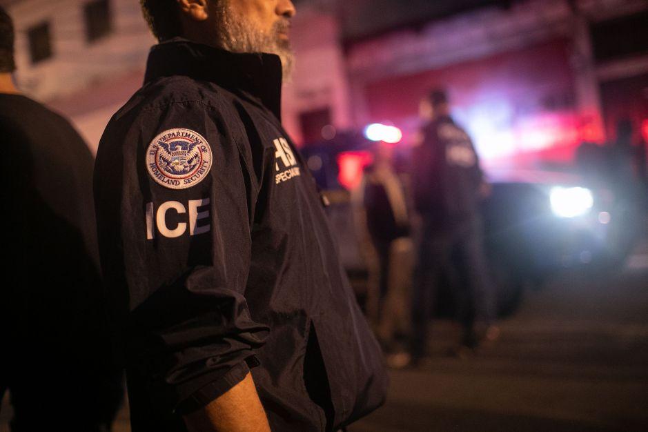 ICE aumenta operativos en espacios de trabajo en busca de indocumentados