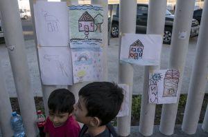 Inmigraron a EEUU pero los deportaron México. Ahora envían a sus hijos a cruzar la frontera solos
