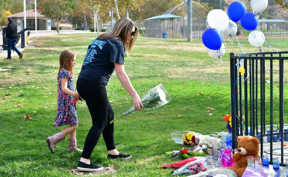 Pistolero de secundaria Saugus en California mató a dos alumnos e hirió a tres en solo 16 segundos