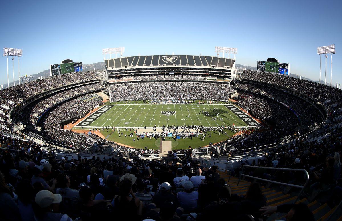 Oakland reconocerá al empleado del subterráneo en su partido ante los Chargers.
