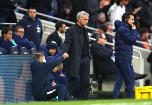 ¡Enorme! Mourinho invitó a desayunar al recogebalones que 'colaboró' en la victoria del Tottenham sobre el Olympiacos