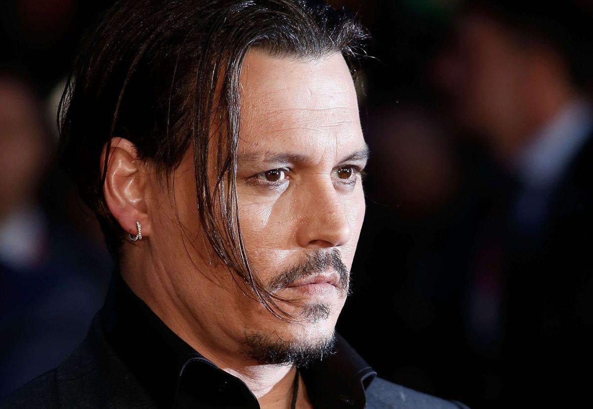 """A pesar de que lo echaron, Johnny Depp cobrará su millonario salario por """"Animales fantásticos"""""""