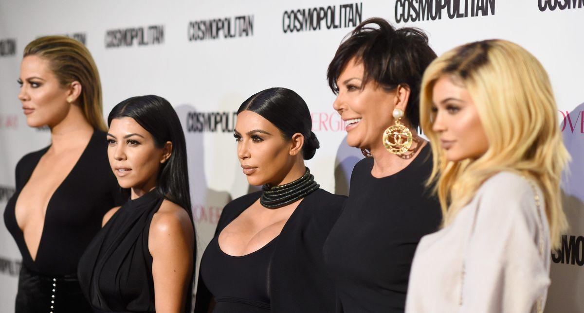 La colección de fragancias de Khloé, Kourtney y Kim Kardashian es lanzada con tremendas fotos