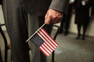 USCIS confirma su empeño por subir exponencialmente costos de trámites de inmigración