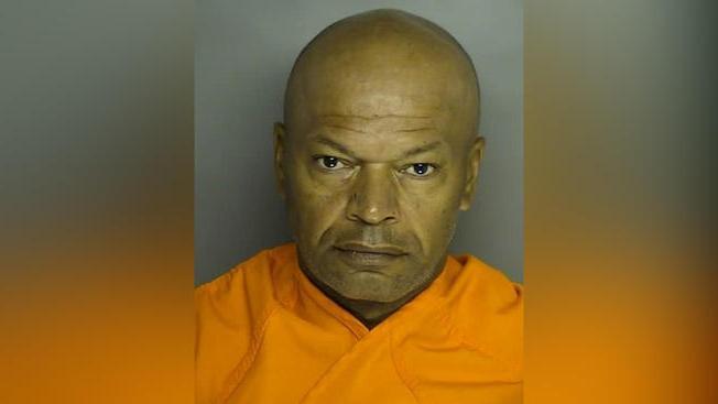 FBI arresta a violador masivo que aterrorizó Washington DC hace casi 30 años