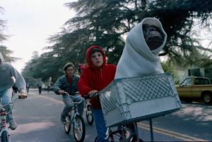 E.T. vuelve a la Tierra y se reencuentra con Elliot después de 37 años