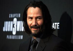¿Keanu Reeves sale con Helen Mirren?