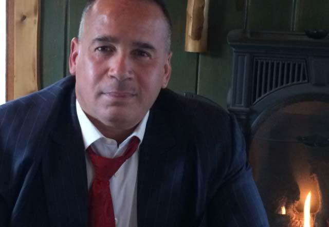 """Una lupa al investigador privado Manuel Gómez, la """"Sombra blanca"""" tras pandilleros de Los Trinitarios en NYC"""