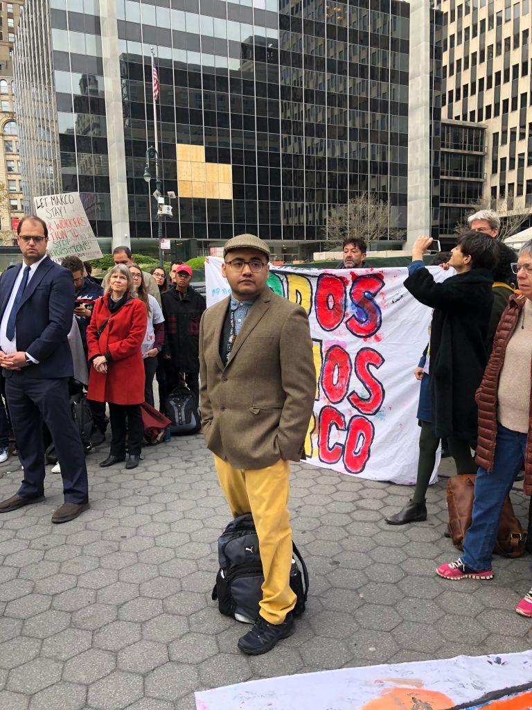 El asilo de un activista inmigrante moviliza a una comunidad