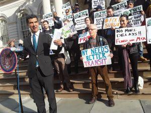 Presionan a MTA para que invierta más en líneas del Subway en vecindarios pobres