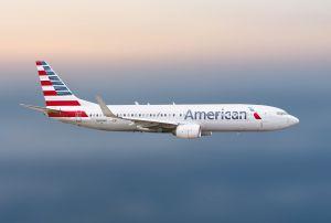 Activista pro Trump es sacado de avión de American Airlines y vetado de aerolínea por no usar mascarilla