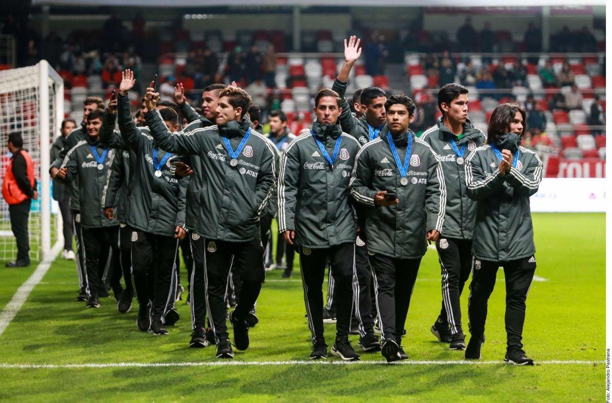 Ajax se llevará a cuatro mexicanos subcampeones del mundo Sub 17 para visorearlos en Holanda