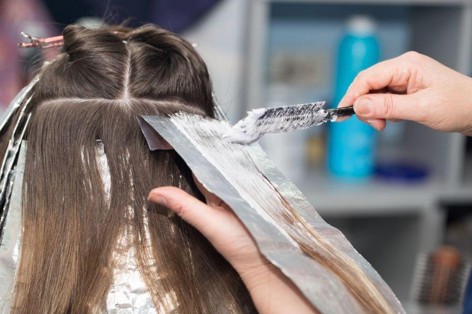 5 productos para usar antes y después de teñirte el cabello y que no se maltrate