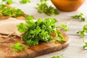 5 beneficios del perejil para incluirlo en tu dieta