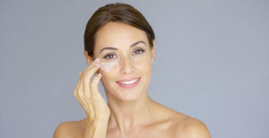 Los 3 mejores productos con cafeína para eliminar las ojeras y mejorar el contorno de ojos