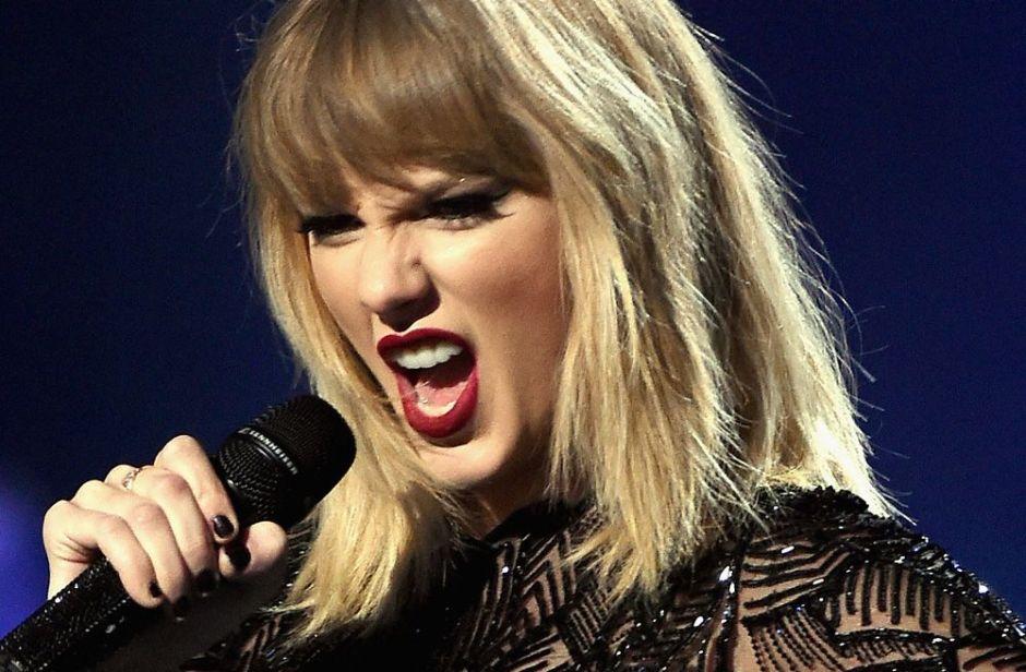 Censuran a Taylor Swift en los AMAs