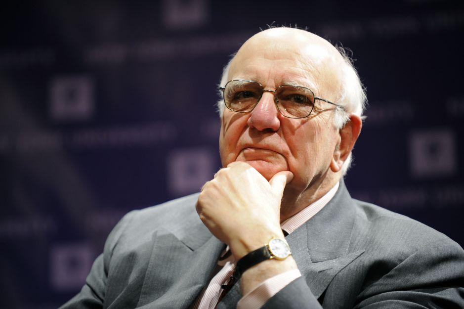 Paul Volcker, exdirector de la Fed, dejó ensayo contra Trump antes de morir