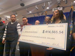 Recuperan más de $400,000 en salarios robados para trabajadores de edificios
