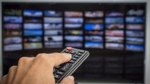 Los riesgos de comprar un televisor inteligente (y qué recomienda el FBI para protegerte)