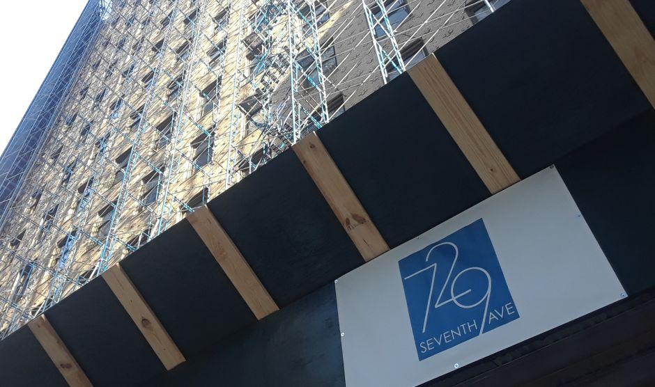 """Nueva York """"juega con la vida"""": abogado replica por famosa arquitecta muerta al caerle escombro en la cabeza"""