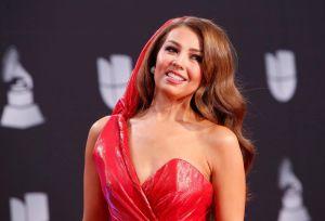 El divertido video de Thalía para responder a quienes aseguran se quitó las costillas