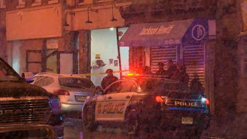 Trabajador ecuatoriano entre los 6 muertos en tiroteo en supermercado judío en Nueva Jersey