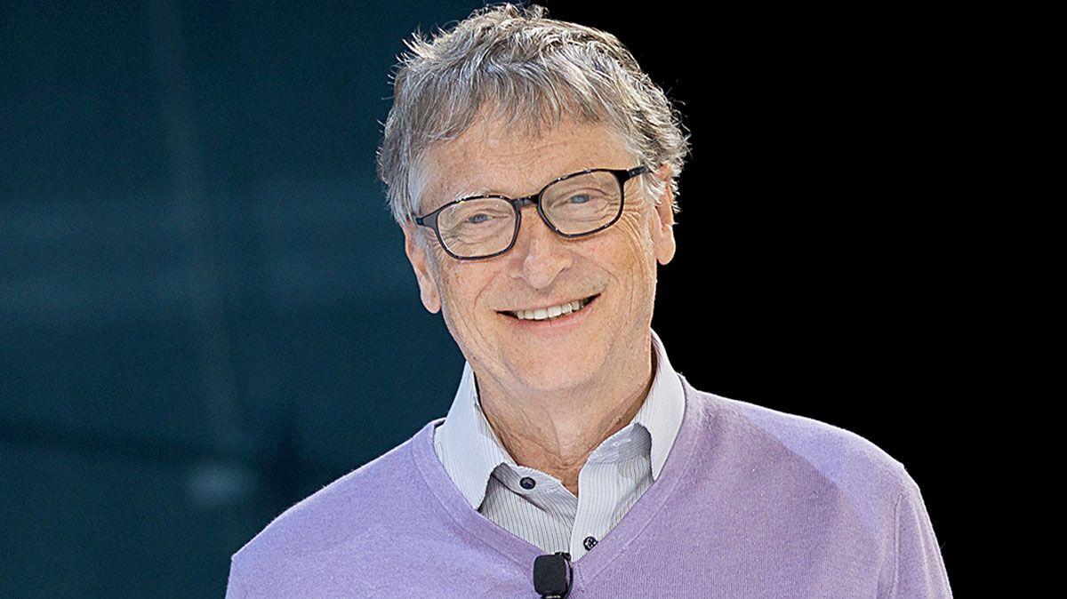 Si no eres vegetariano, Bill Gates opina que la gente solo debería comer carne sintética