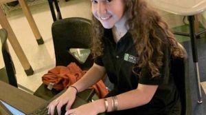 Esta latina de 14 años programó sola una app para resolver dudas migratorias sobre licencias de conducir y visas