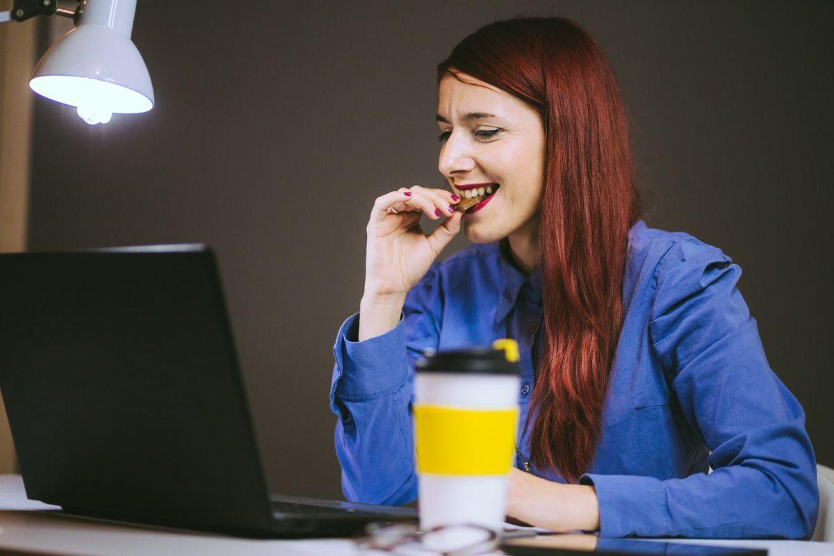 5 snacks ricos y no engordantes que siempre puedes tener a mano en tu oficina
