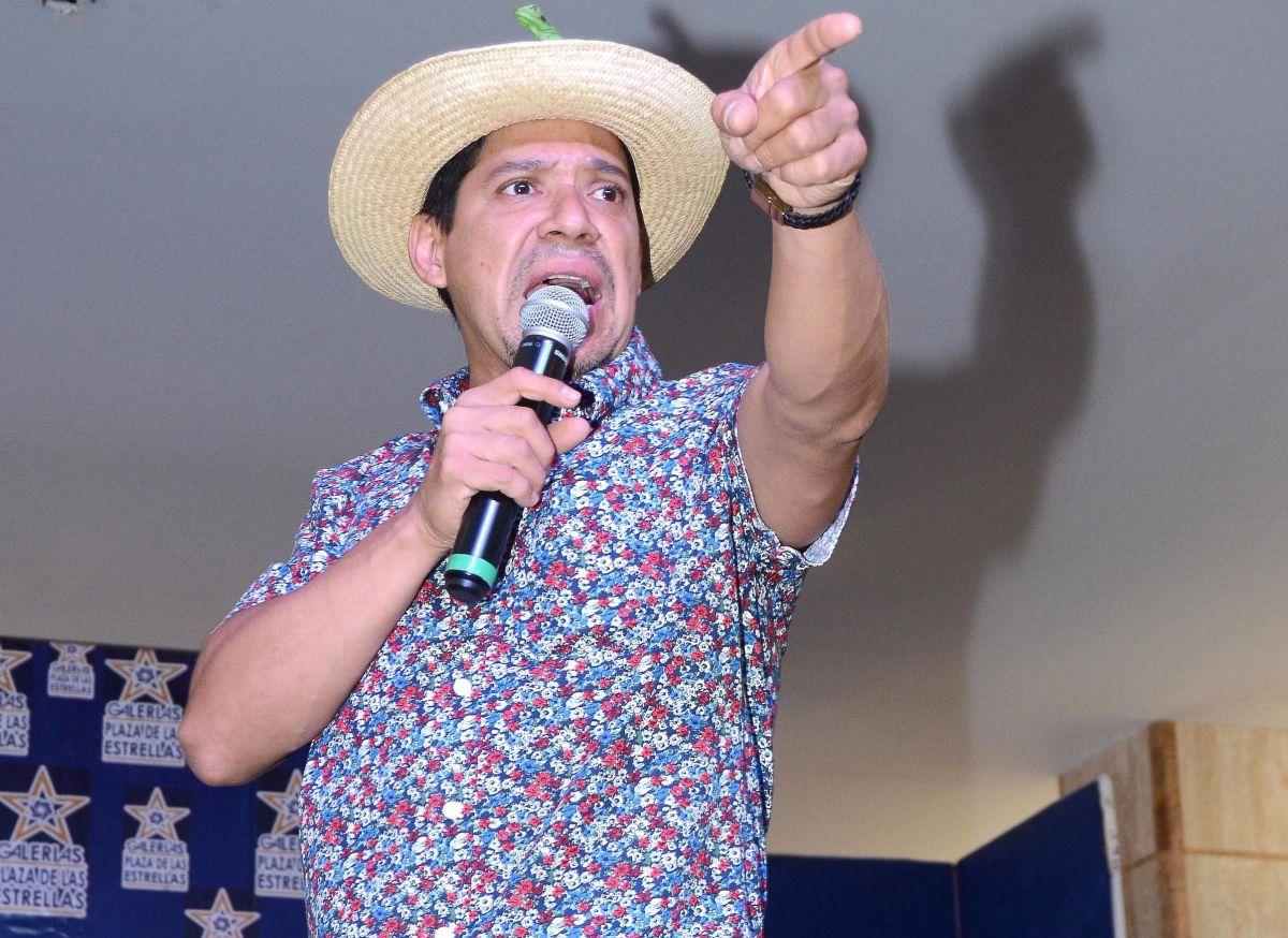 """Terrible: """"El Costeño"""" recibe amenazas de muerte por contar este chiste sobre AMLO"""