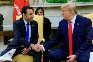 """Trump agradece a Guatemala su ayuda a EEUU para librarse de gente """"peligrosa"""""""
