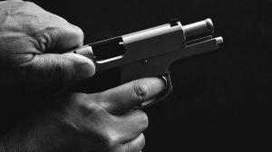 Hombre de 63 llega a RD de EEUU para casarse con menor de 17, pero la mata a balazos