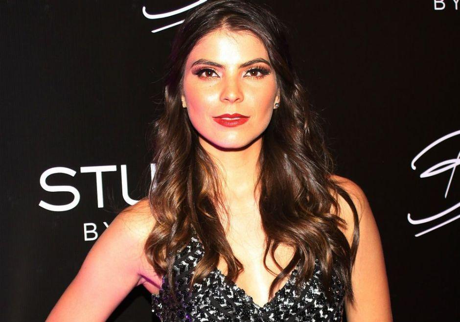 La hermana de Ana Bárbara se muestra en bikini como un sensual ángel