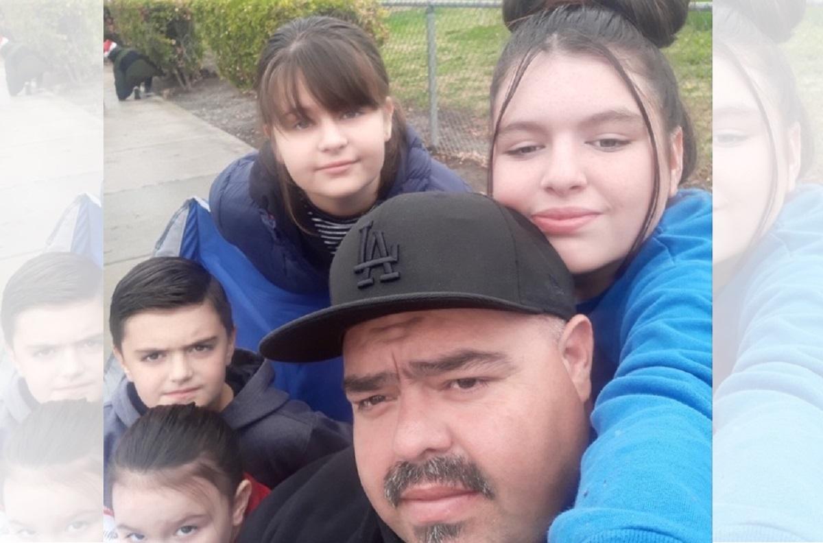 Padre hispano y 3 de sus hijos mueren en incendio causado por árbol navideño