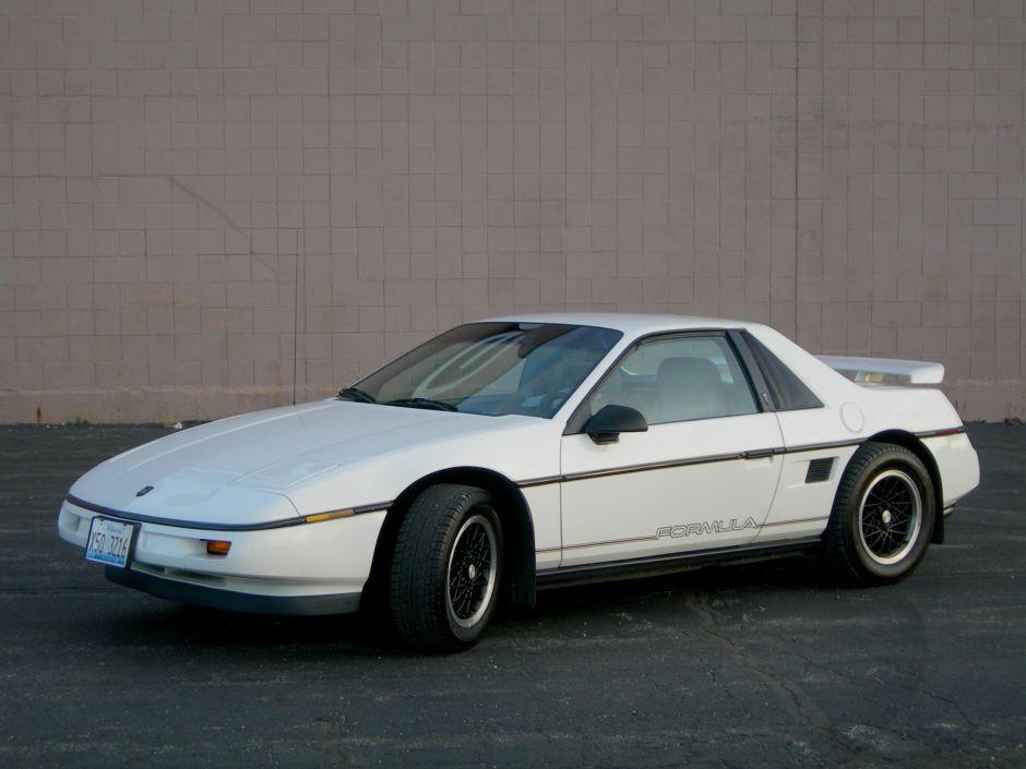 ¿Recuerdas el Pontiac Fiero? Fue nombrado el mejor y peor vehículo de los 80s