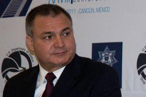 """Juez niega fianza a Genaro García Luna por nexos con """"El Chapo"""" y será trasladado a Nueva York"""