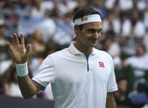 Pequeño japonés imita a la perfección a Roger Federer y causa sensación en redes sociales