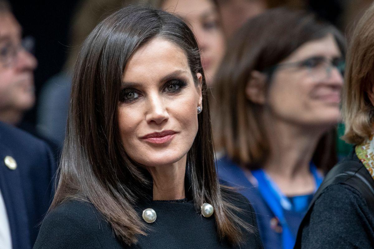 Olvídate de tomar el sol si quieres una piel suave, según la reina Letizia de España