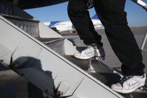 Detenido bajo custodia de ICE se escapó en aeropuerto Newark para evitar deportación