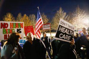 Tribunal anuló el mandato de Obamacare de que todos los estadounidenses tengan seguro de salud